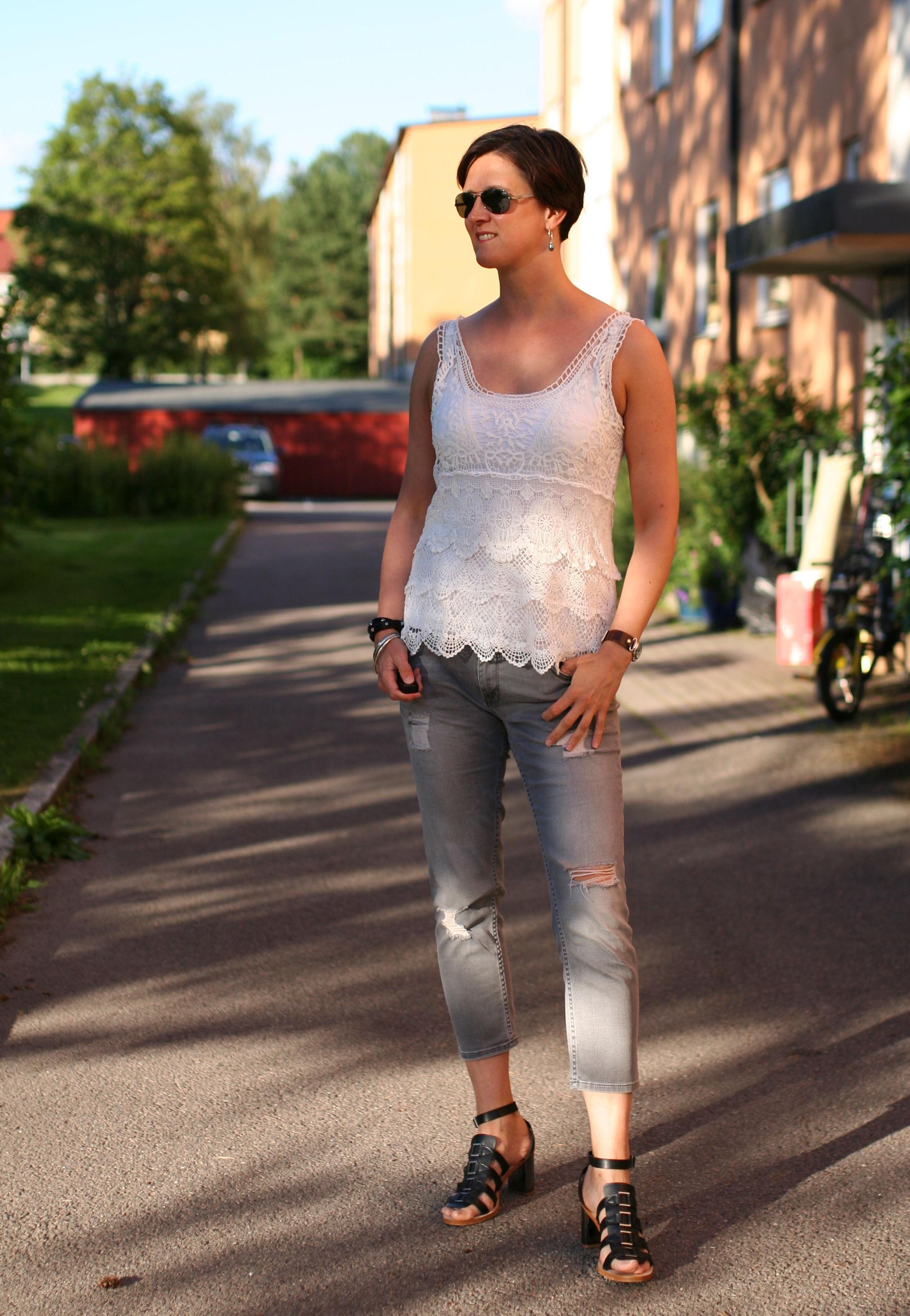 Tall Girl's Fashion // Lace top and grey jeans